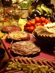 food-1570622-forweb